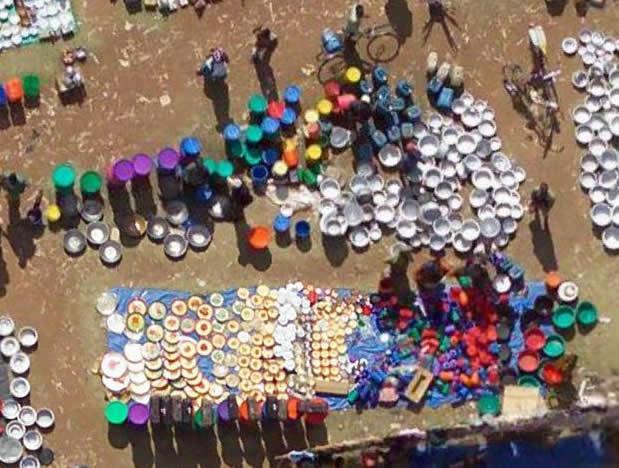 Coloratissimo mercatino in Tanzania