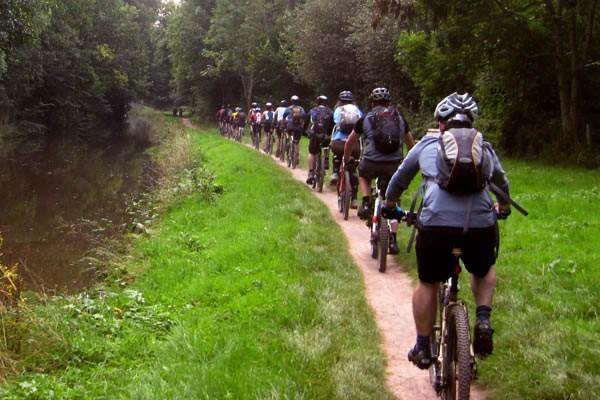 Ciclopedonale lungo Navile, 16 km lungo l'antica via delle acque.